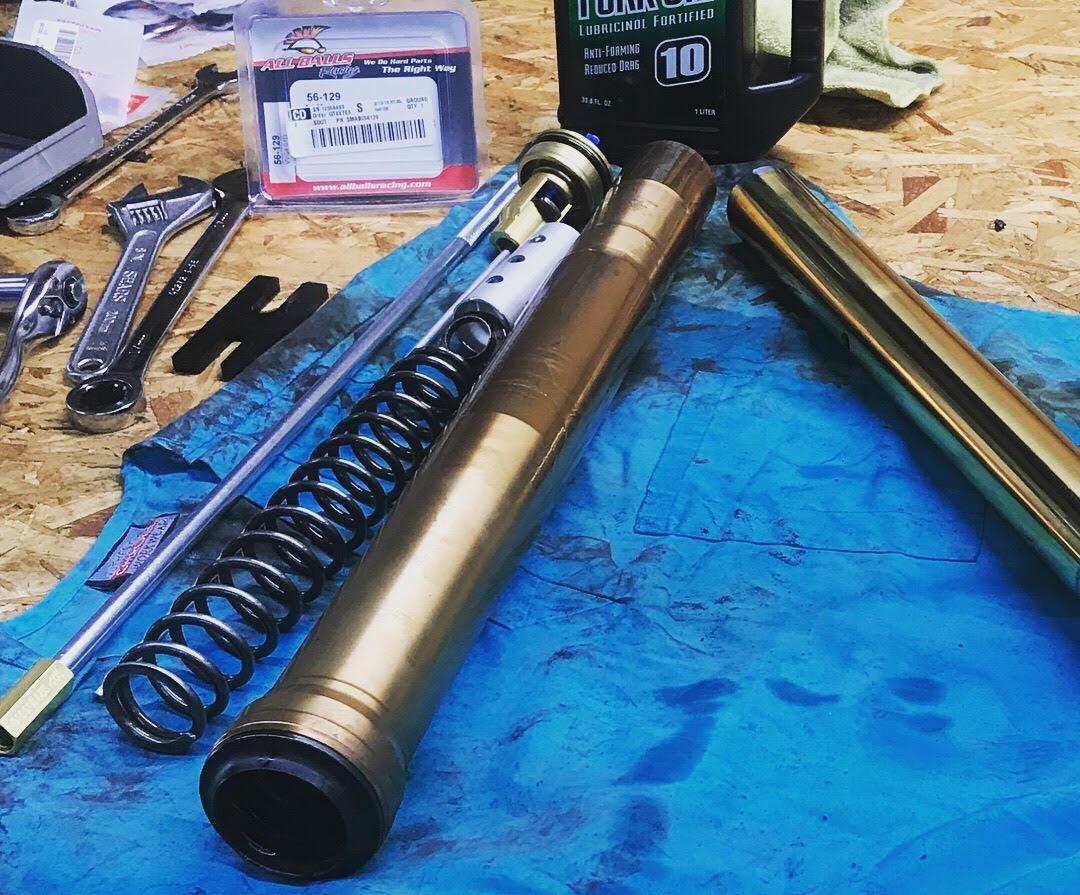 motorcycle serivce fork rebuild